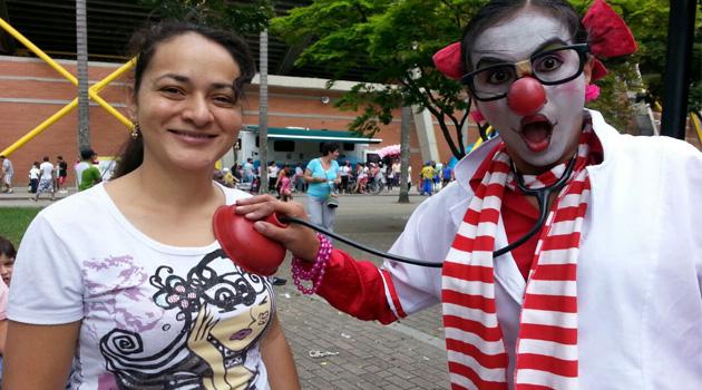 Las mujeres de Medellín le dijeron sí a la conmemoración del Día Mundial de la Lucha contra el cáncer de seno.                    Foto: ALCALDÍA DE MEDELLÍN