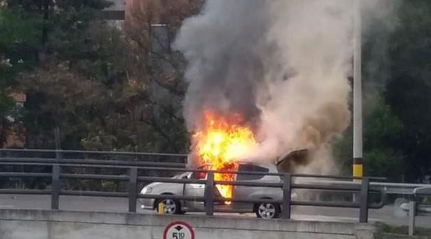 Carro-incendiado-5