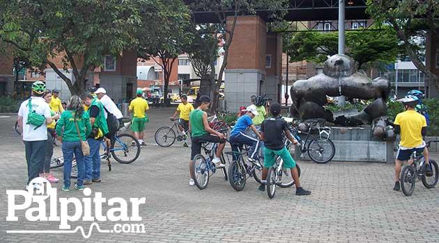 Homenaje_ciclista1_El_Palpitar