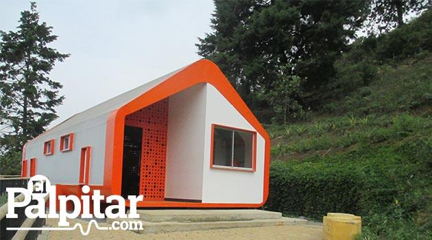 En el Aula Educamos se capacita  a los habitantes de cada sector en temas como construcción, liderazo y jardinería. Foto: EL PALPITAR.