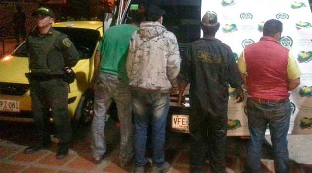 Policia_robo_carros_prado_caldas
