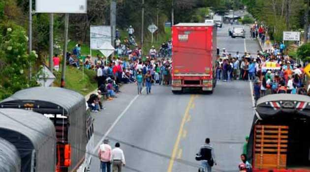 paro_camioneros_colombia1