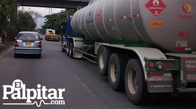 Camiones_Autopista_El_Palpitar