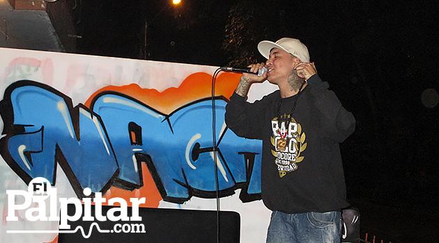 Santiago Cano 'Rapza Mc' en una de sus presentaciones en casa Kolacho