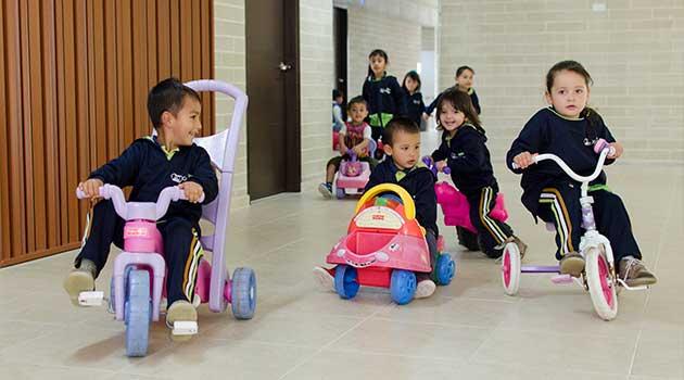 envigado_tejiendo_centro_niños