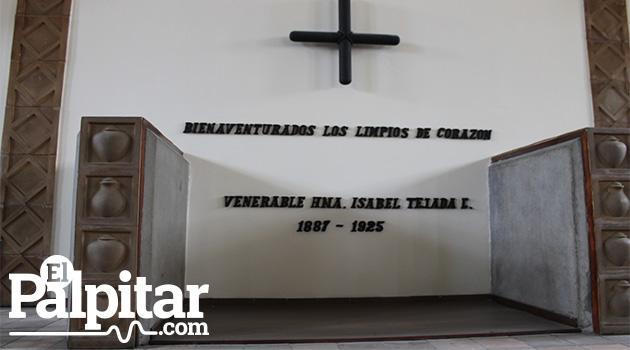 Tumba donde yacen los restos de la Hermana Isabel.