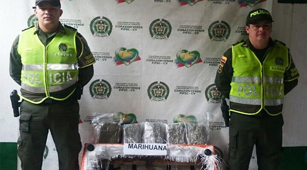 marihuana-dentro-del-sofá