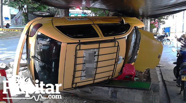 volcamiento_taxi_accidente3