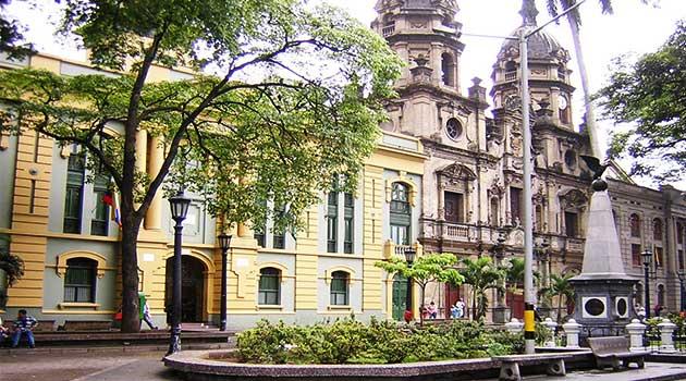 Plazuela_San_Ignacio-Medellin