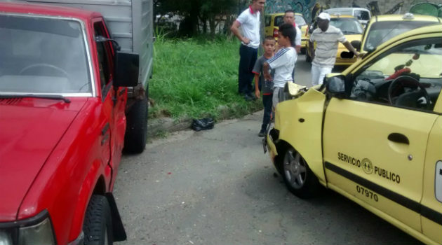 Accidente_Taxi_Furgón_Enciso