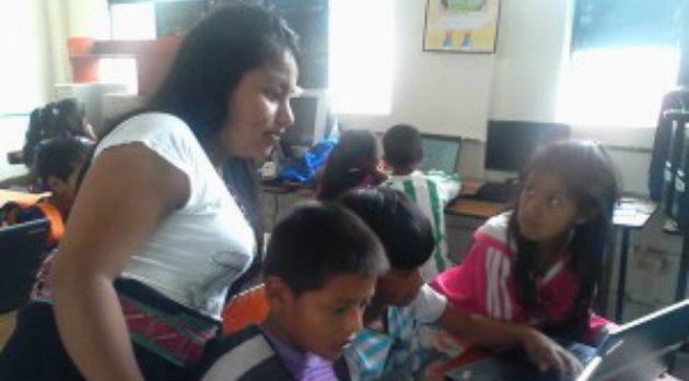 Indigenas-educacion