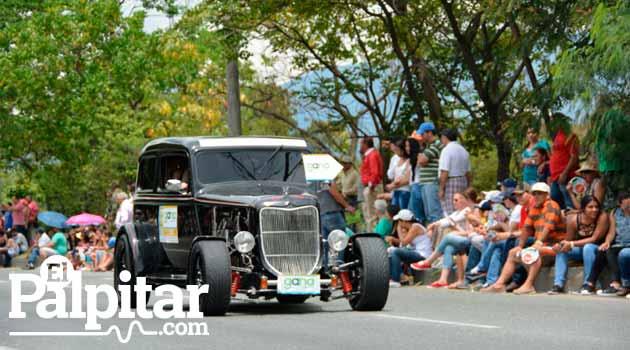 Desfile_Autos1_2015_El_Palpitar