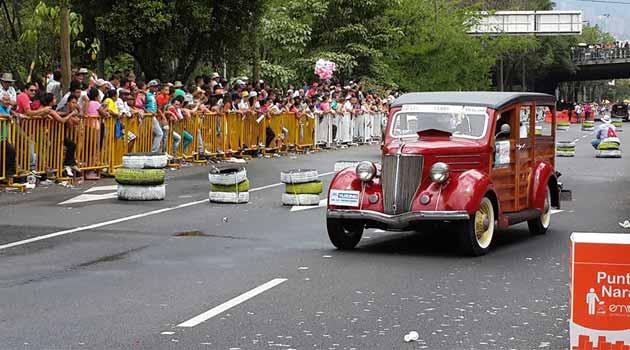 Desfile_Autos1_El_Palpitar