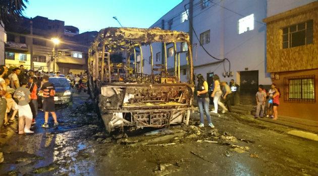 bus_quemado_el_salvador4