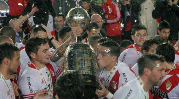 Foto: Cortesía. Los colombianos, Teo Gutiérrez y Álvarez Balanta, también aportaron en el título de La Banda.