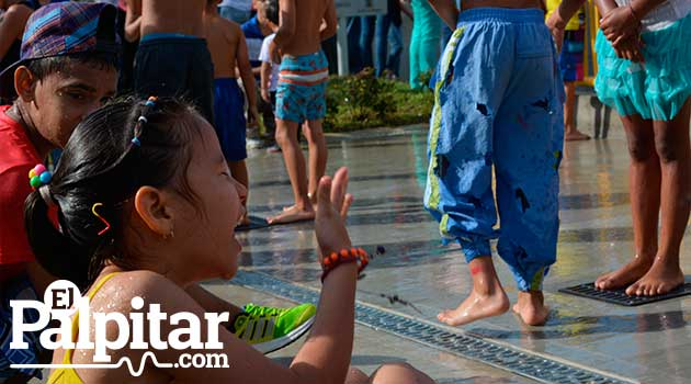 uva_comparsa_prado_niños