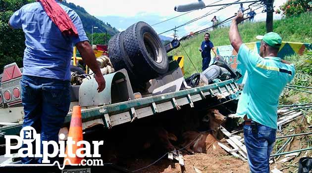 Accidente-camion-Hatillo-3