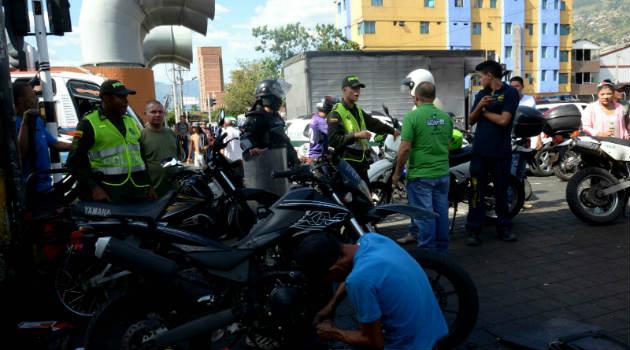 operativo_motos_policia_los_puentes