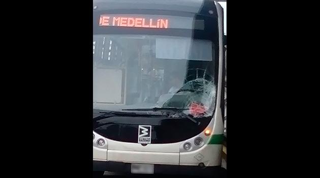 Accidente-metro-plus-ciclista