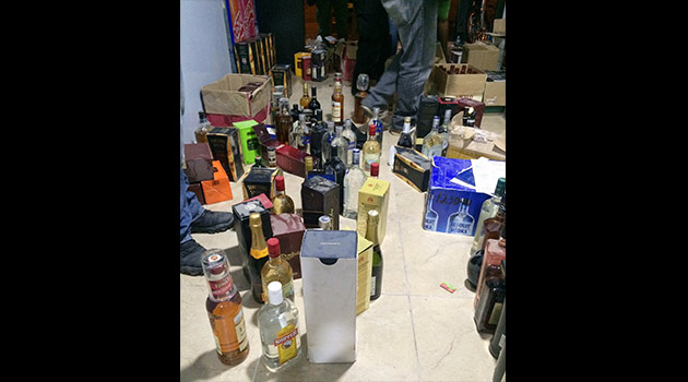 CAleta-licor-contrabando1