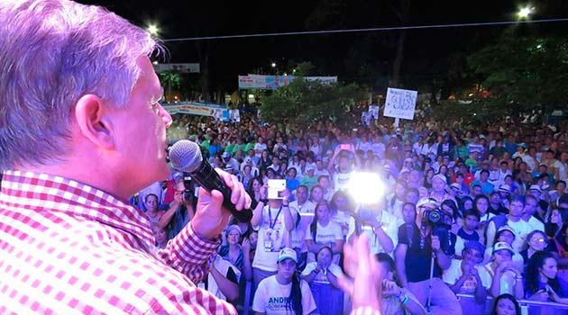 Cierre-de-campaña-Juan-Carlos-Velez