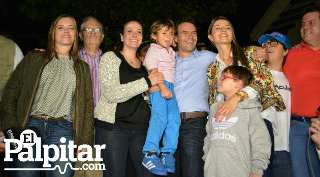 Fico_Alcalde_familia_completa