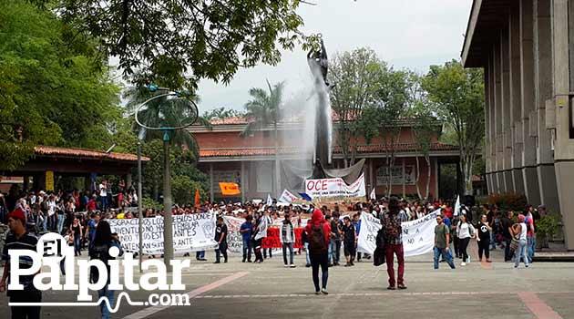 Manifestacion-UDEA-3