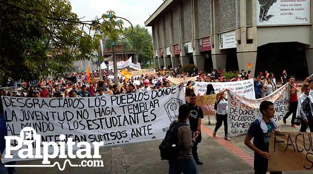 Manifestacion-UDEA-4