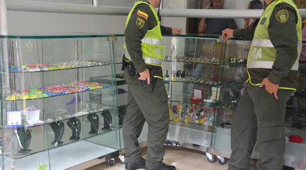policia_robo_joyería