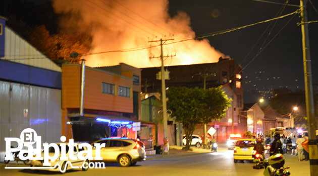 Incendio-industrilaes-1 - copia