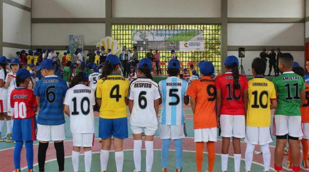 Juega_Vida_Niños_Fútbol