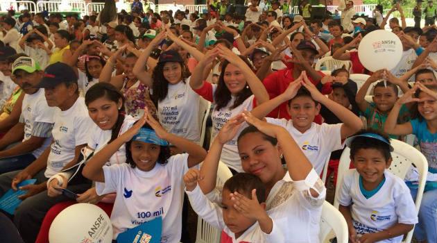 En El Salado, 100 familias recibieron este jueves su vivienda propia. Foto: CORTESÍA