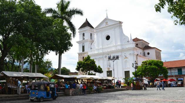 santa_fe_de_antioquia_iglesia_parque