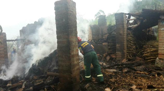 incendio_girardota_bomberos