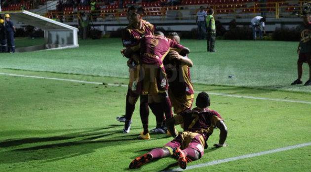 Matheus Uribe celebra el primer gol del encuentro. Foto: CORTESÍA