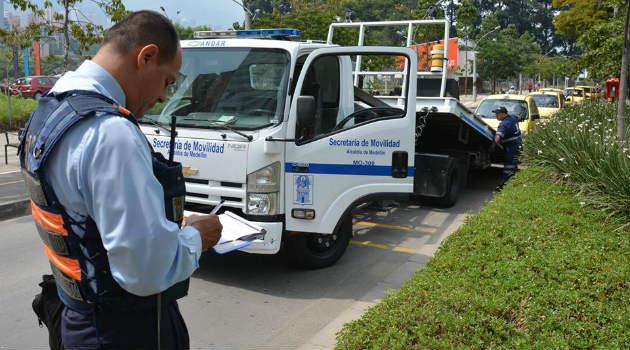 inmovilizacion_taxi_transito_camion