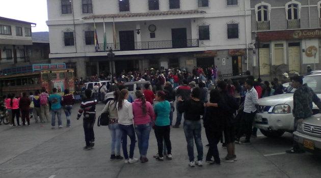 Habitantes de Sonsón protestaron por el creciente aumento en los casos de atraco y rechazaron este homicidio. Foto: CORTESÍA.
