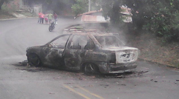 carro_quemado_ataque_mutatá