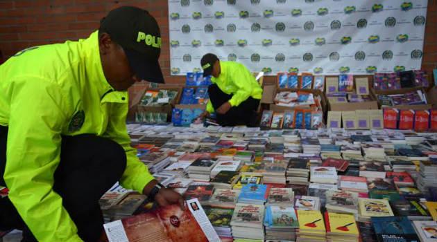 libros_piratas_policia