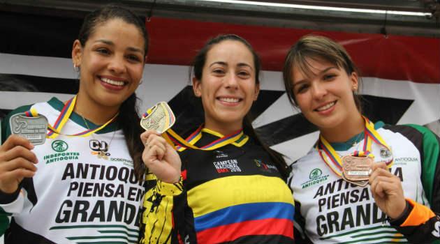 podio_pajon_escobar_BMX
