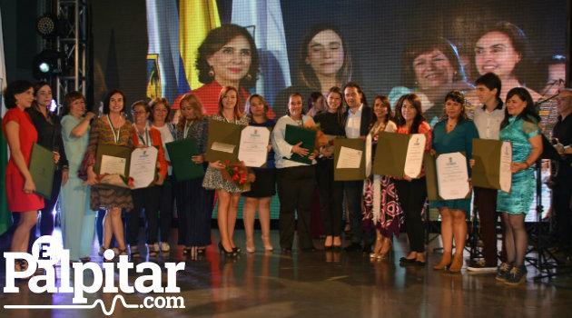 Medalla_Mujeres_Alcaldía2