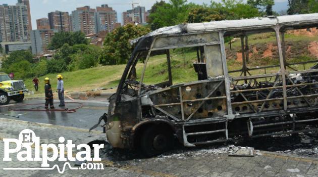 bus_quemado_metro_ataque3