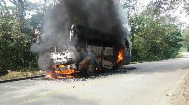 camión_quemado_eln_4