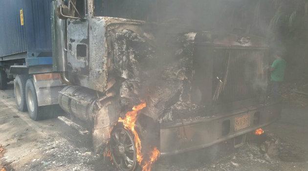 camión_quemado_eln_5