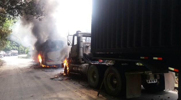 camión_quemado_eln_6