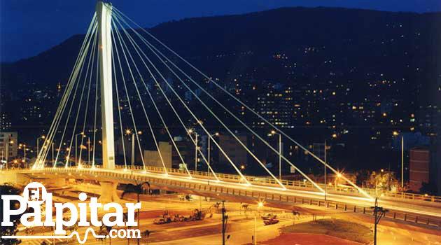 envigado_noche_puente