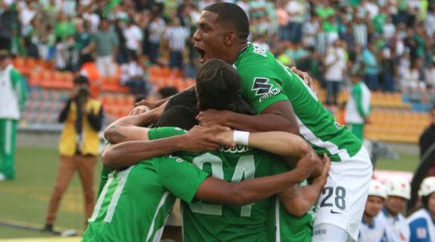 Andrés Ibargüen celebra uno de sus goles ante Buscaramanga. El delantero volverá a ser titular este miércoles ante Fortaleza. Foto: CORTESÍA
