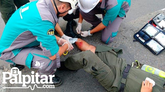 accidente_policia_herido_paramédicos