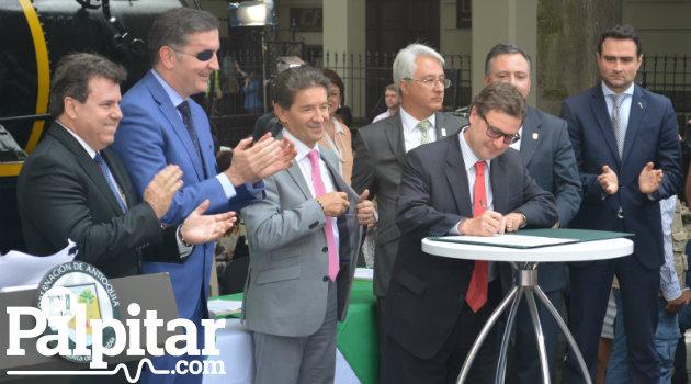 Firma_Ferrocarril_Antioquia_Palpitar3