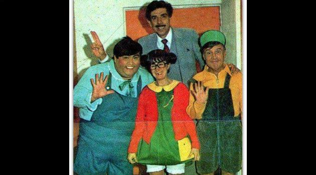 Rubén Aguirre, en su papel del profesor Jirafales, junto a sus alumnos Ñoño, la Chilindrina y Godines. Foto: Cortesía.